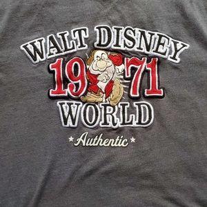 2/$15 Walt Disney World embroidered T shirt